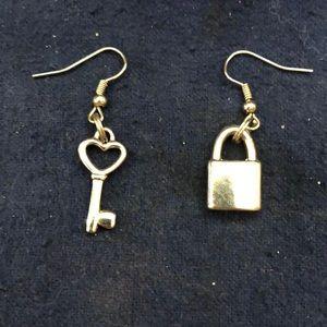 Jewelry - Lock and key earrings!! 💕
